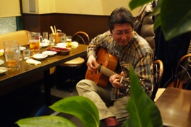 AYERSのギターを弾く生徒さん