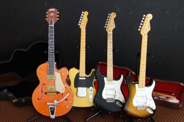 Miniature_guitar7
