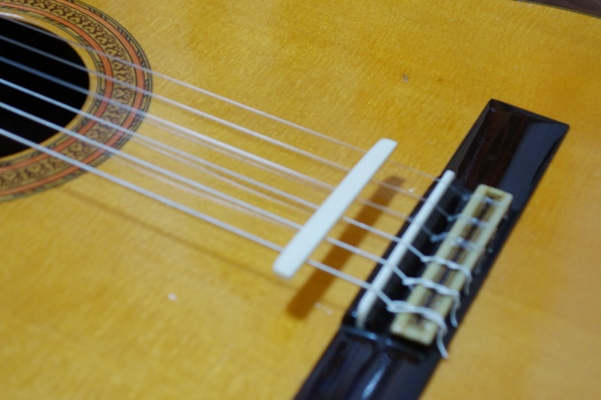 classical_guitar_repair04