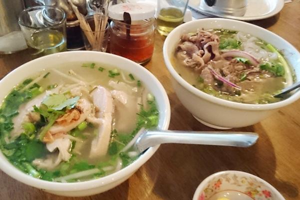 ベトナム料理店でフォー