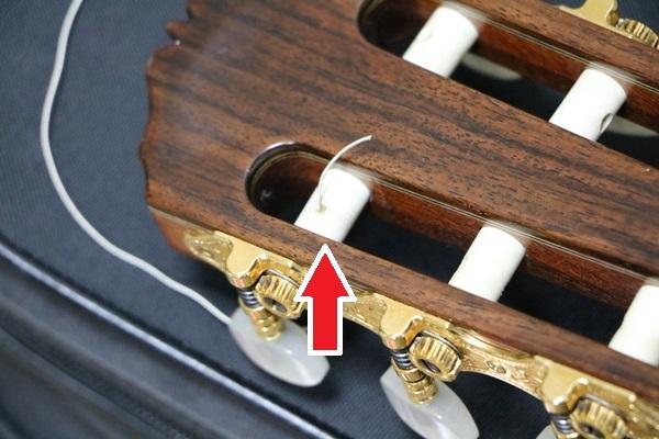 クラシックギターの糸巻きが壊れている