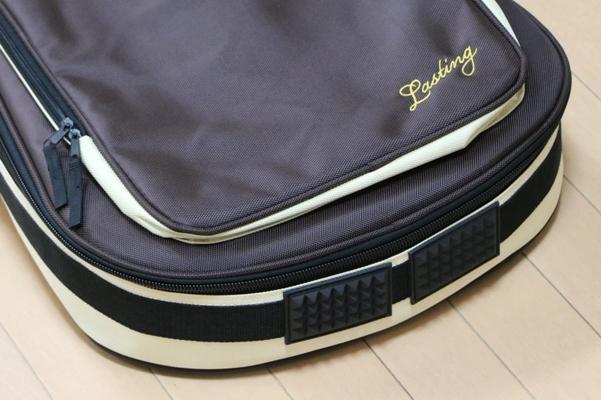 エレキギターのケース底面