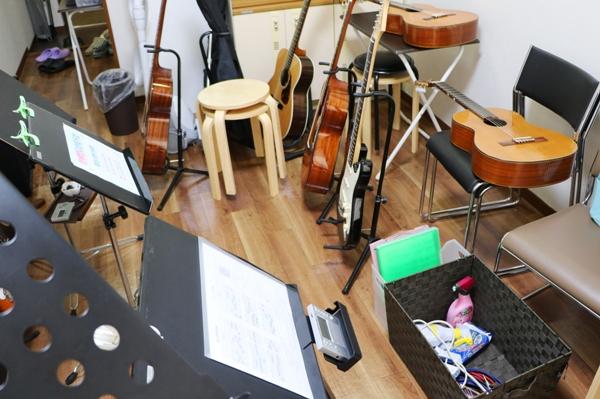 ギター教室は機材がたくさん