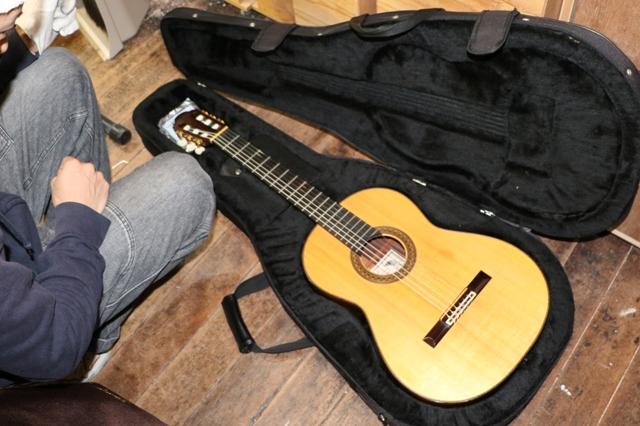 ギターの修理見積り
