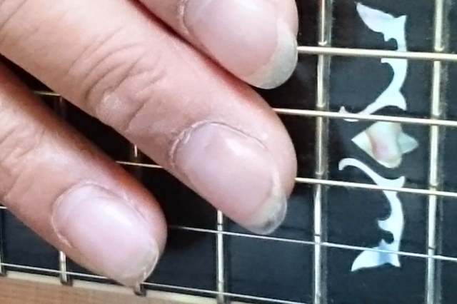 アコギ用に爪を強化