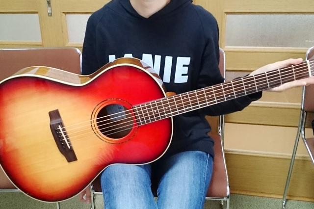生徒さんのヤイリギター