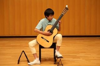 中学生 男の子 クラシックギター