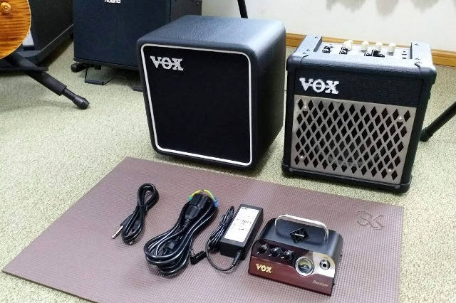 VOXのBC108とMINI5 Rhythmを比較