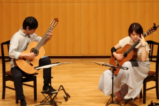 大学生クラシックギターデュオ