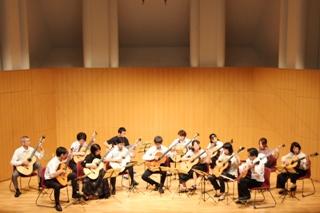 クラシックギター合奏団