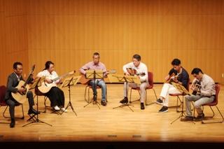アコースティックギター合奏団