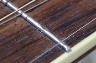 ギターのフレットが削れた