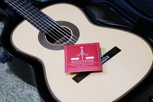 オーガスチン・リーガルとクラシックギター