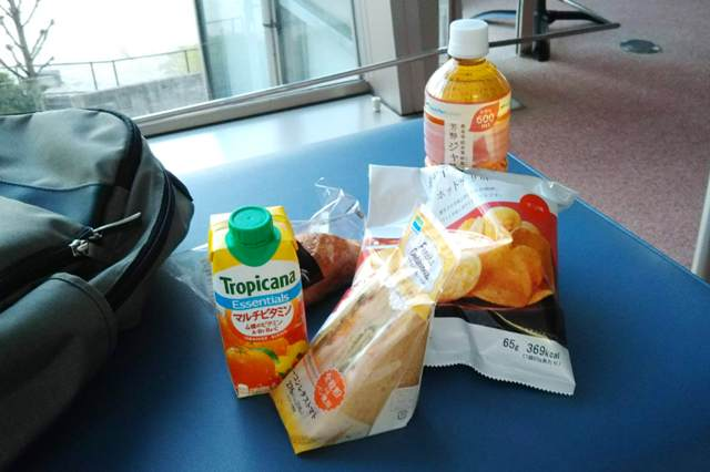 朝ご飯を食べる