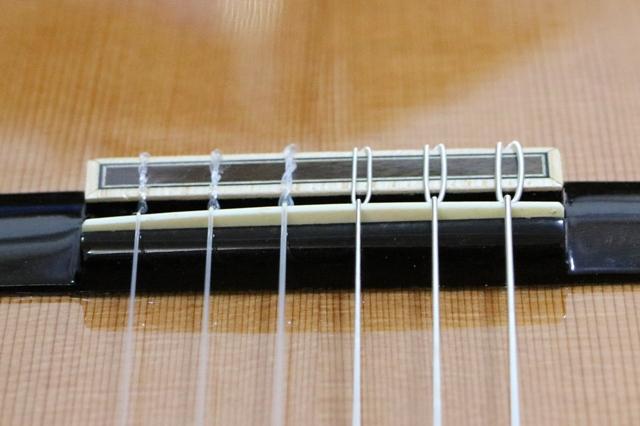 クラシックギター(杉)のサドル