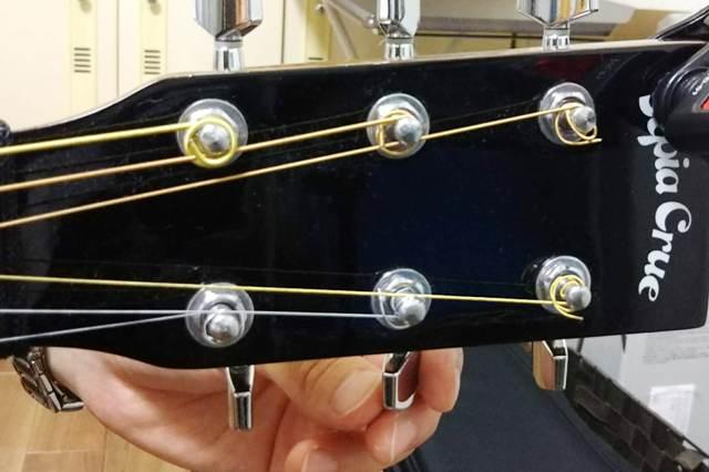 アコースティックギターの弦 間違い